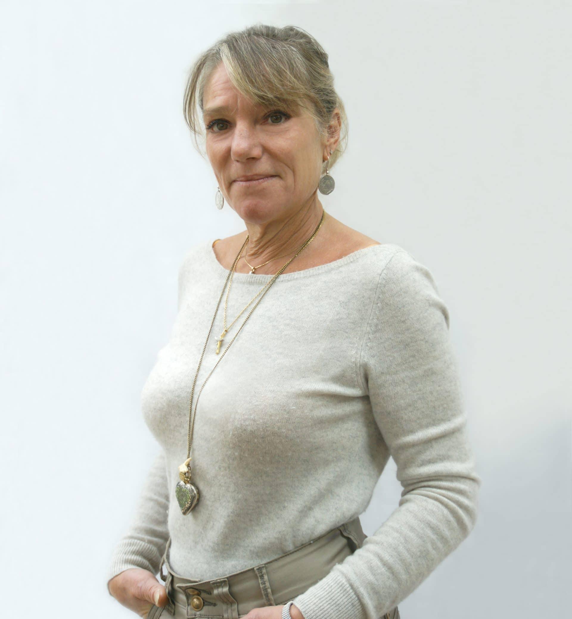 Chantal Dumas est praticienne en luxopuncture et hypnose ericksonienne au Perrier, près de Challans